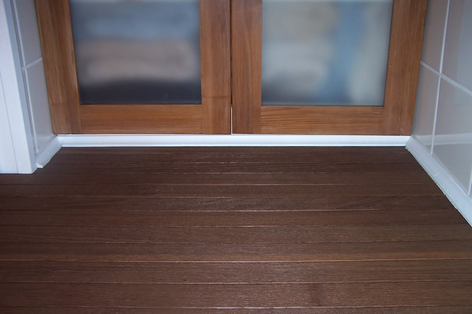 Thermally modified red oak with clear coat